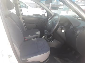 2015 Nissan NP 200 1.6 A/C Safety Pack P/U S/C